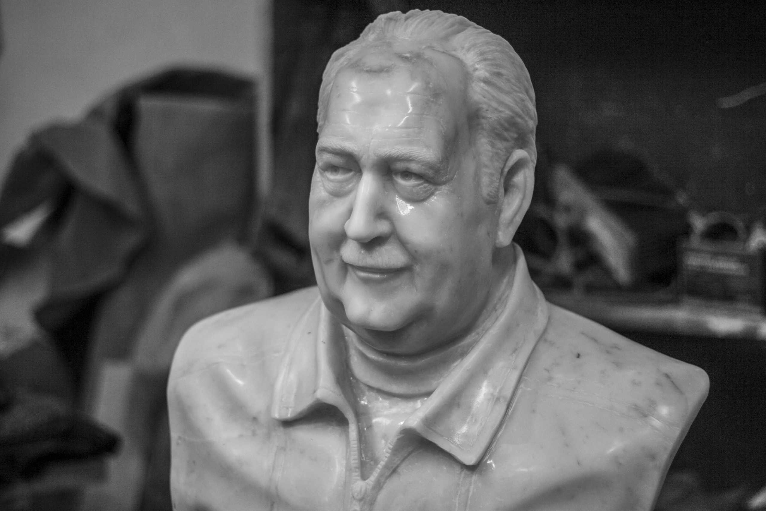 Busto Victorio Mastellone