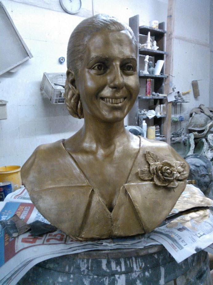 Busto Eva Duarte de Perón