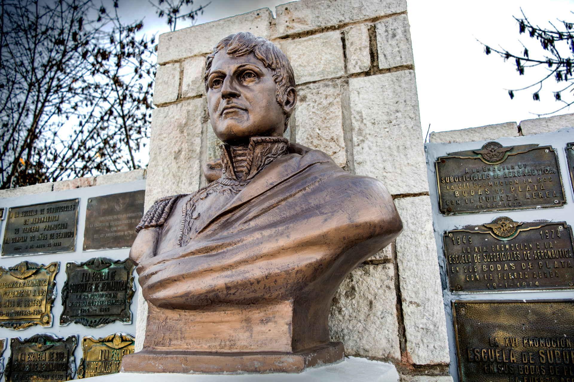 Busto Manuel Belgrano
